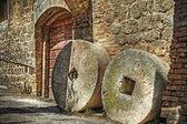 Fotografie Mühlsteine in San Gimignano
