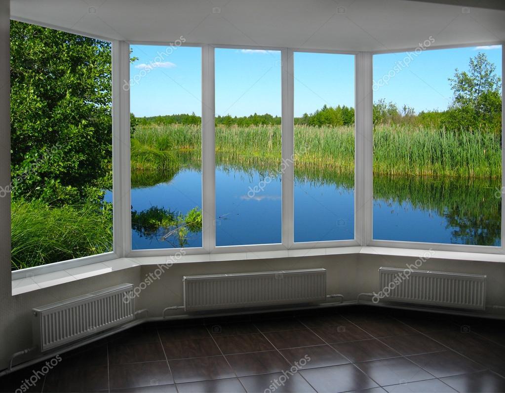 Finestre moderne di veranda con vista sul fiume foto - Finestre moderne ...