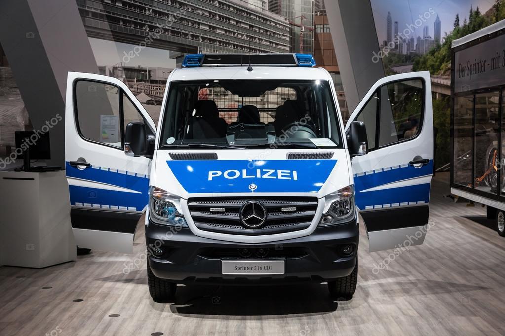 mercedes benz sprinter 316 cdi polizei transporter bei der 65 iaa nutzfahrzeuge 2014 in. Black Bedroom Furniture Sets. Home Design Ideas