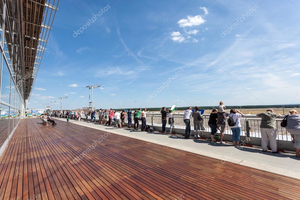 Besucher Terrasse An Der Frankfurt Flughafen Deutschland