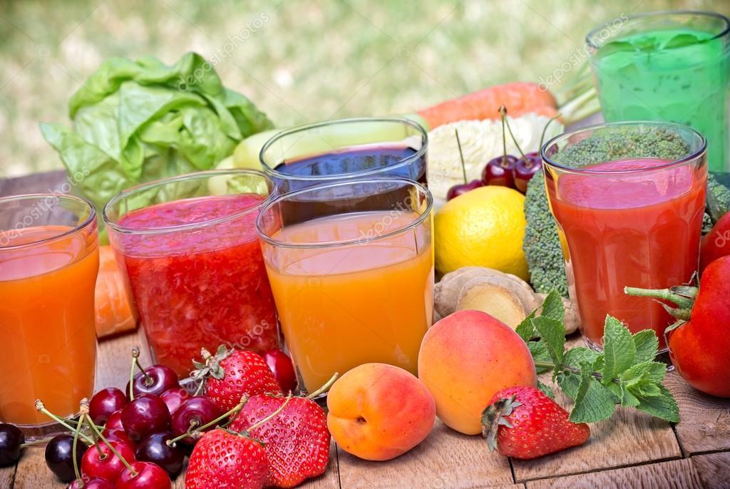 Gesunde Getränke - gesunde Getränke — Stockfoto © lola19 #75130373
