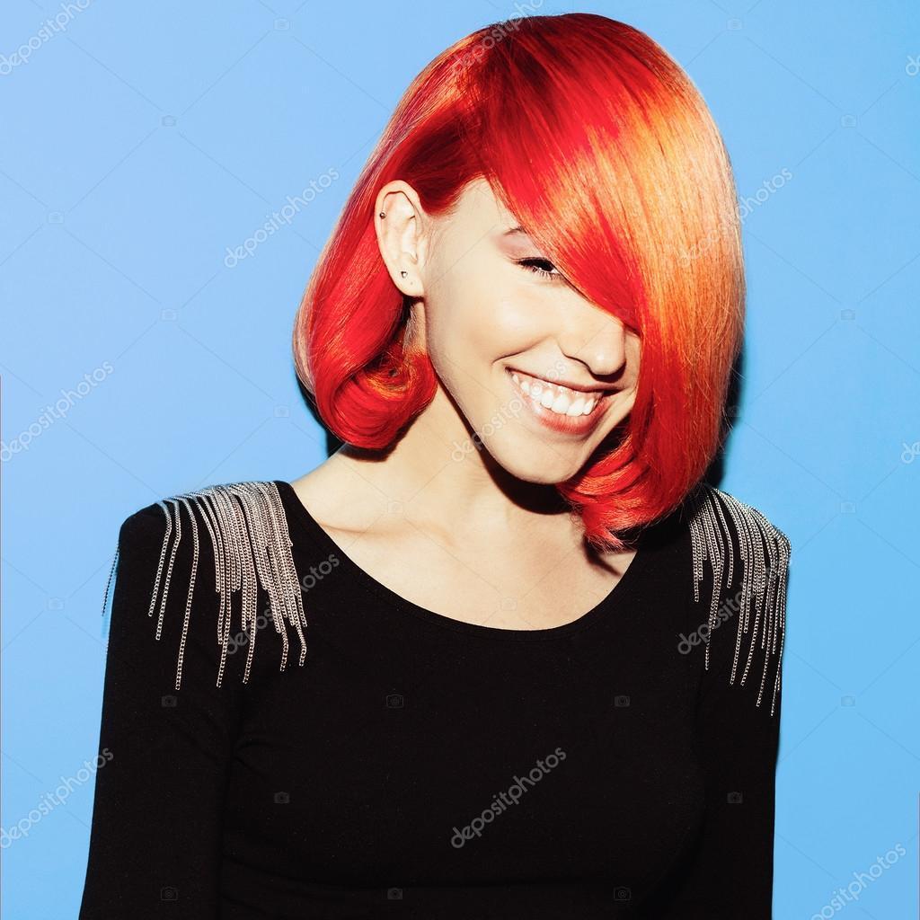 Beauty Madchen Mit Stilvolle Frisur Haar Farbe Trend Rote Haare