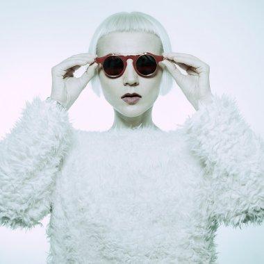 Devil blond. Glamorous Steampunk sunglasses