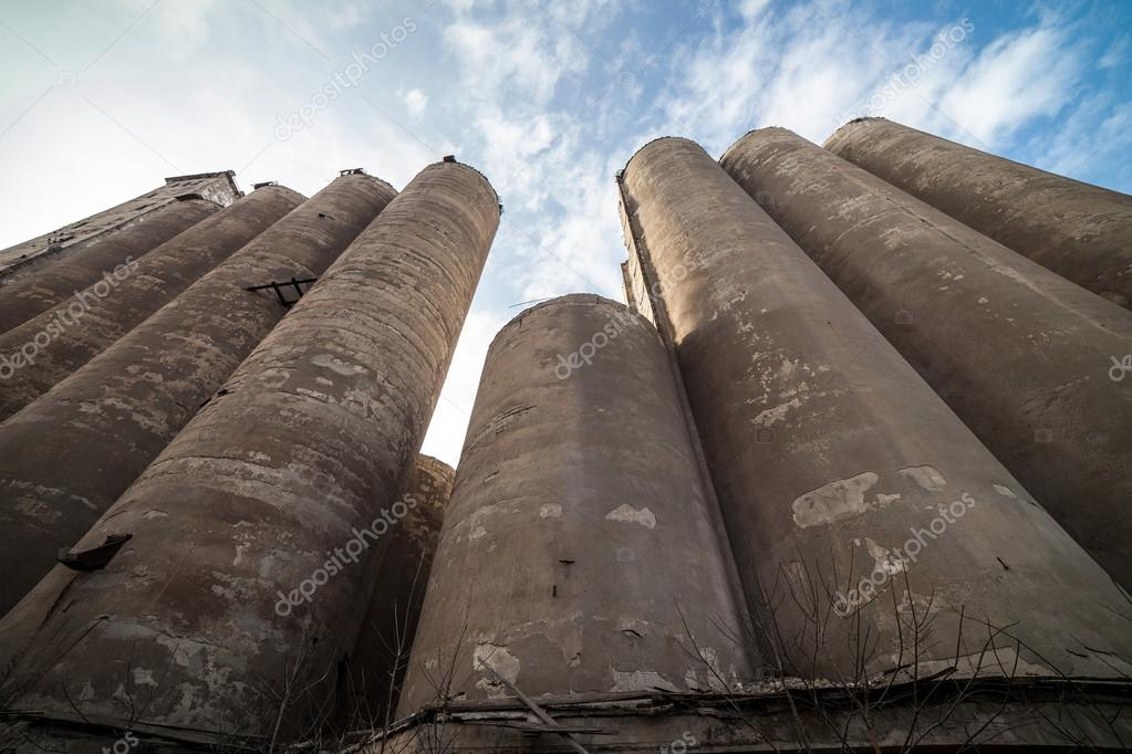 The granary of an abandoned grain elevator