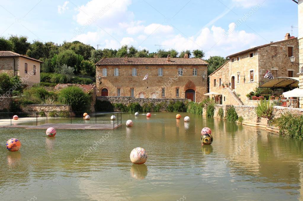 Bagno Vignoni in Toscana — Foto Stock © alessandro0770 #106897502