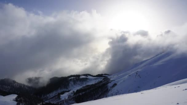 Snow Mountains, Timelapse mraky. Kavkaz