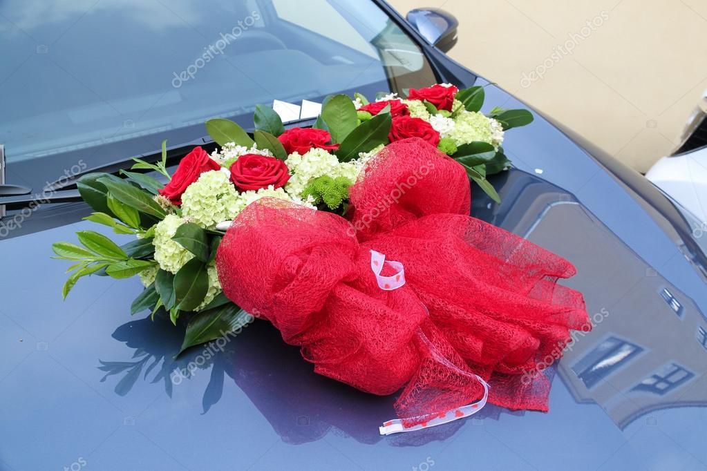 Hochzeitsblumen Auf Dem Auto Stockfoto C Mariankadlec311 97067858