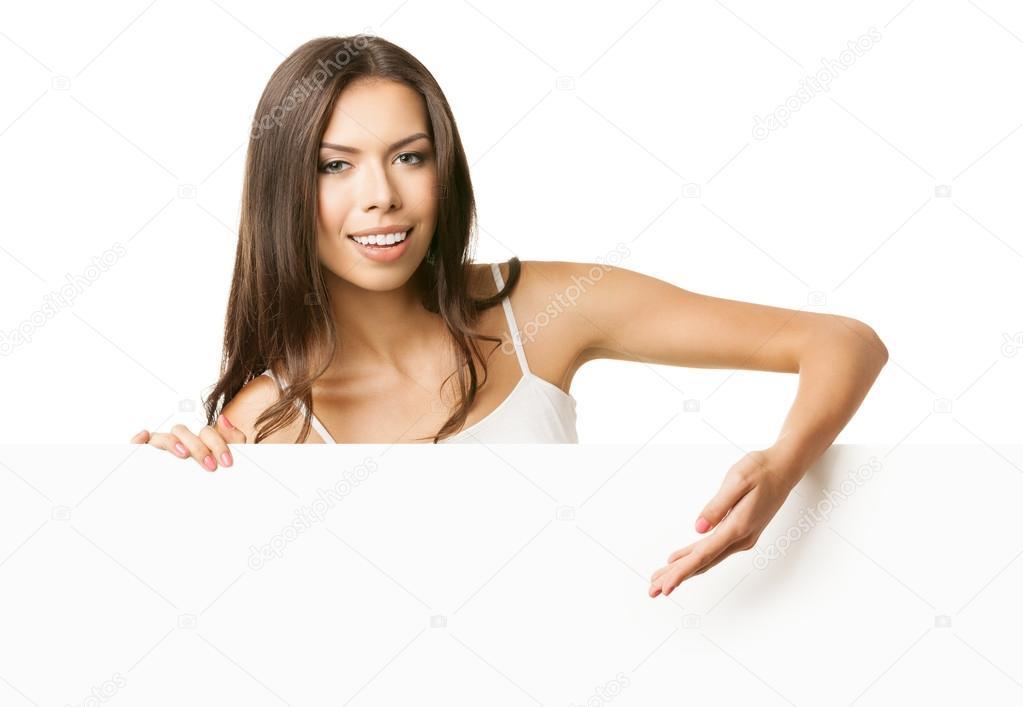 a0af836fd729 Mujer joven en letrero en blanco mostrando ropa casual — Foto de ...