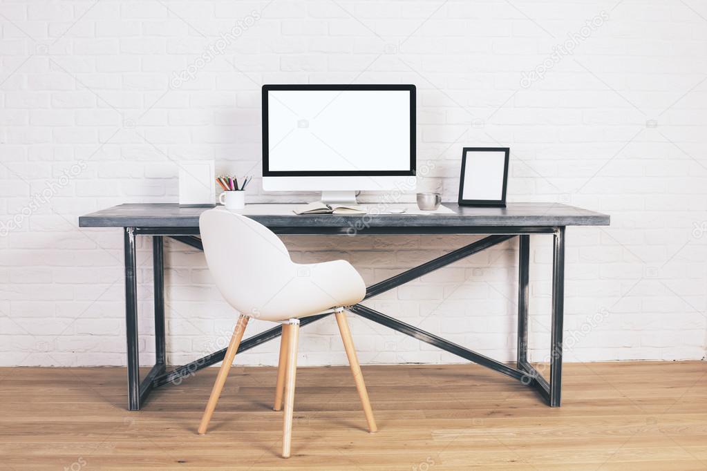 Design bureau avec chaise blanc u photographie peshkova