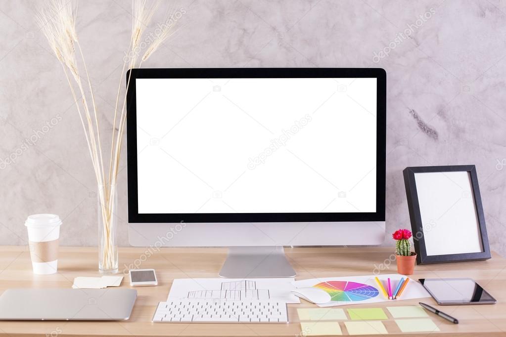 Desktop-Monitor und Rahmen — Stockfoto © peshkova #111329640