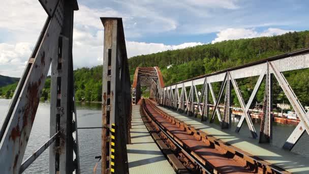 Jednokolejné železniční most