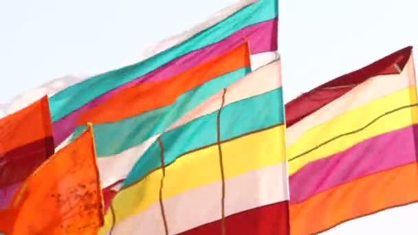 Barevné vlajky v Indii chrám Rajsthan