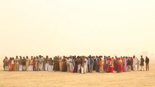 Chudí lidé vesnice v poušti