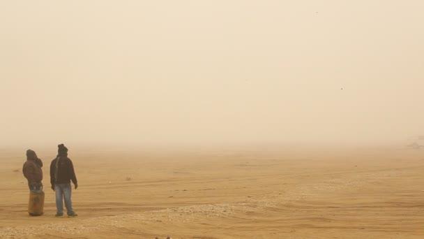 falu szegény emberek sziluettje sivatagi Rajasthan, India