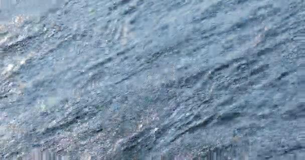 Vízhullámok a folyóban