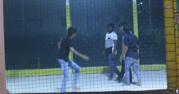 Muži plážový volejbal hráči Hyderabad Indie 7. března 2021