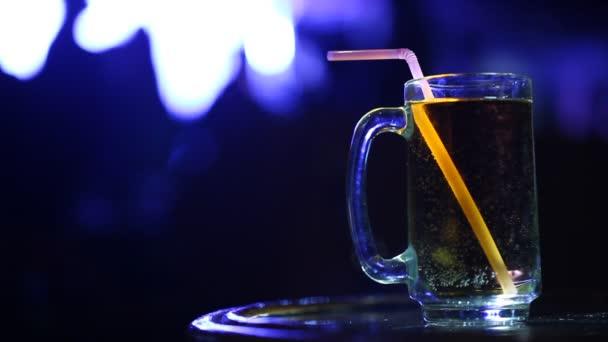 Closeup nápoje v hospodě