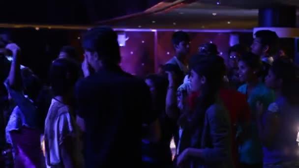Ihdian emberek Dance Party