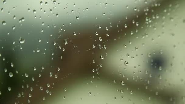 gocce dacqua sul vetro