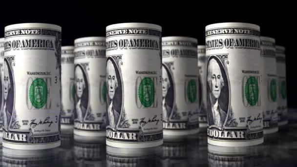 Dolar peníze role smyčka 3D animace. Kamera se pohybuje nad 100 USD válcované bankovky. Bezproblémová koncepce ekonomiky, krize, financí, hotovosti, obchodního úspěchu, recese, daní a dluhů v USA.