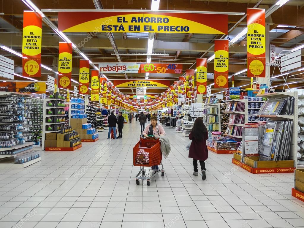 Alcampo supermercato a fuenlabrada foto editoriale stock - Supermercados fuenlabrada ...