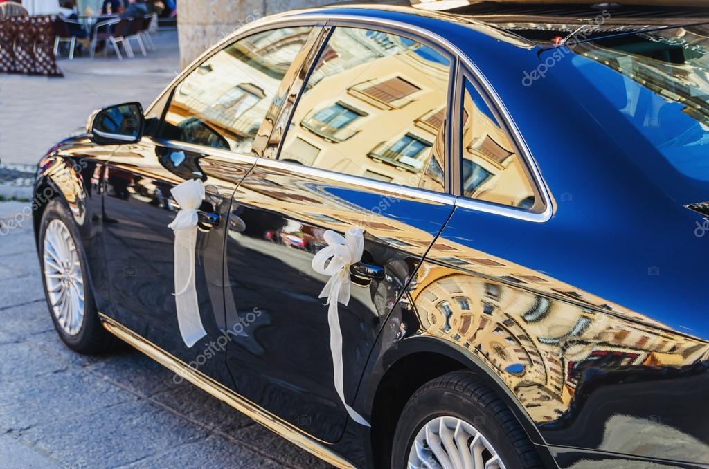 Decorated Luxury Car For Weddings Stock Photo C Alfonsodetomas