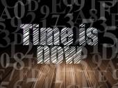 Pojem o čase: čas je teď v temné místnosti grunge