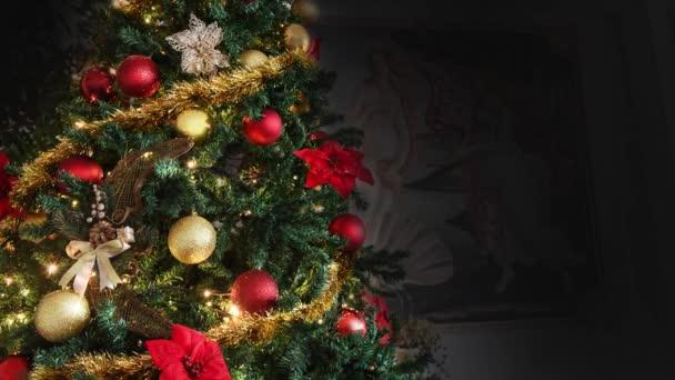 Vánoční stromeček zdobené světelné zlato, červená, náboženství
