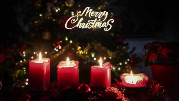 Weihnachten 4 Kerzen flammen rot, Blumen mit beleuchtetem Baum zum Hintergrund