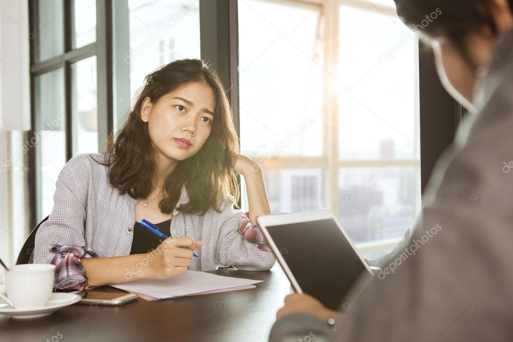 L amour au travail, exercice de haute voltige L amour au bureau