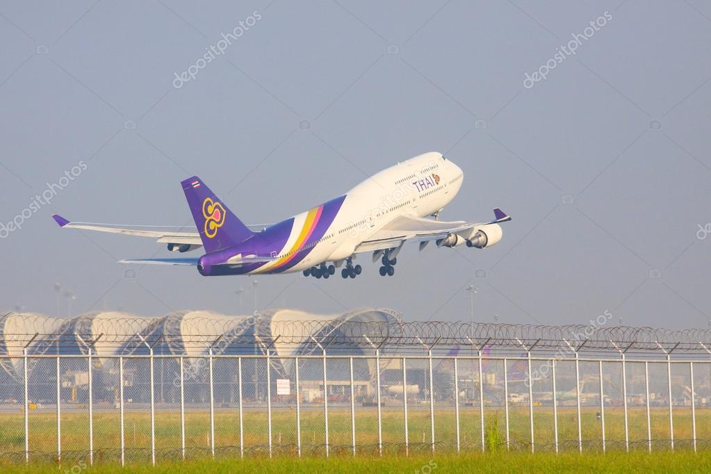 BANGKOK THAILAND NOVEMBER 22 : thai airways plane take off from