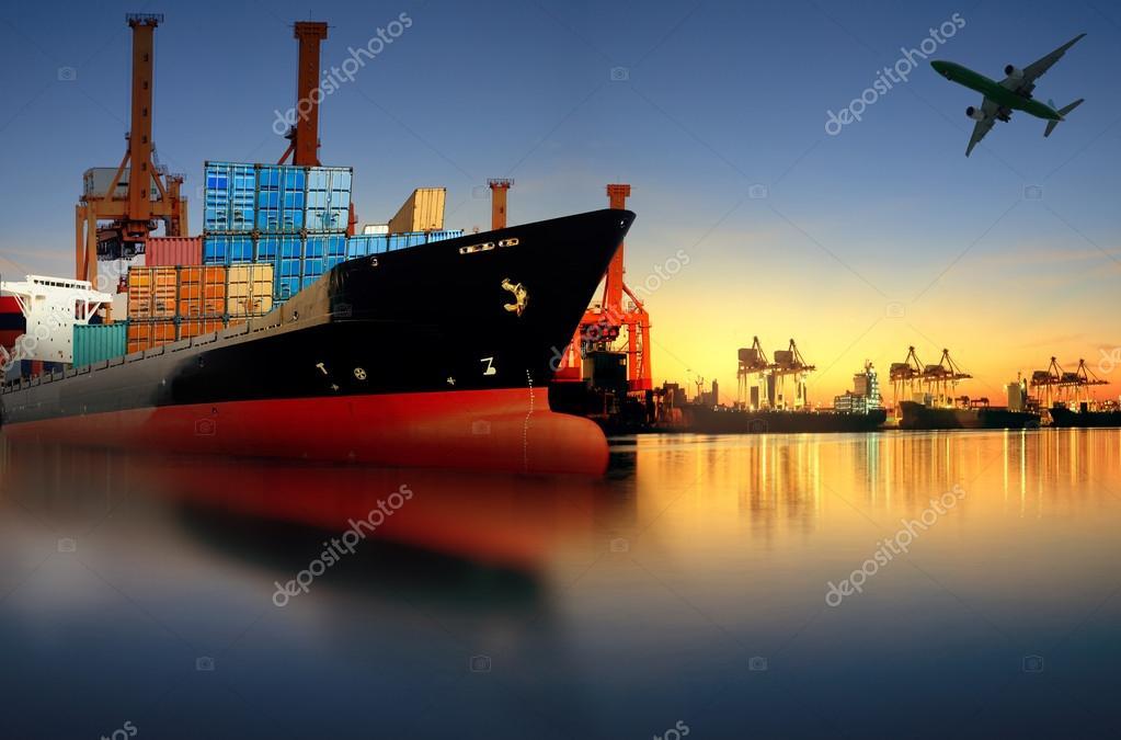 Barco de contenedores de importaci n exportaci n puerto contra l hermosa ma ana foto de stock - Contenedores de barco ...