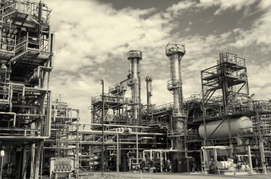 Oil and gas refinery in vintage processing