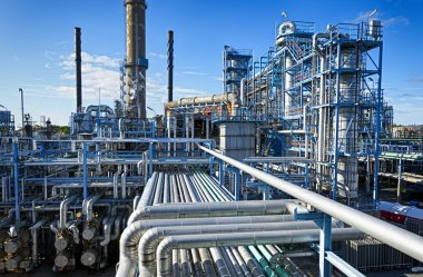 Oil and gas industry, refinery in HDR effect
