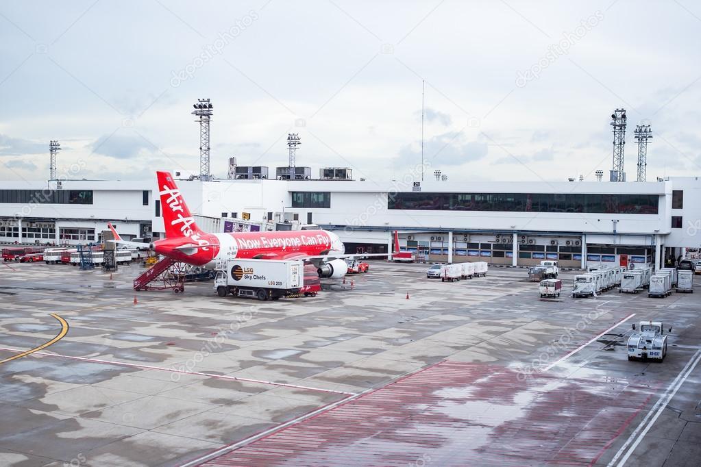 Resultado de imagem para aeroporto na asia