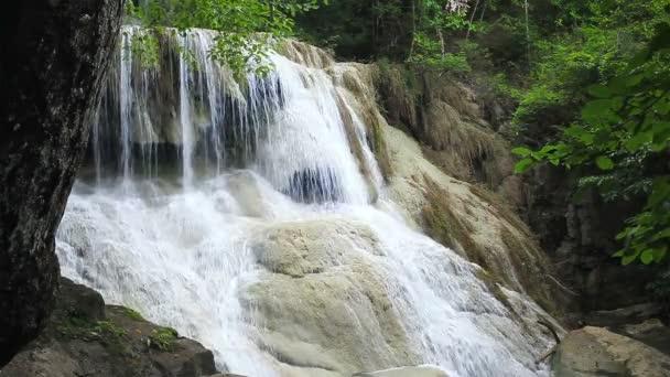 Wasserfall-Namen Erawan Stufe 6, Nationalpark, Kanchanaburi, Thailand
