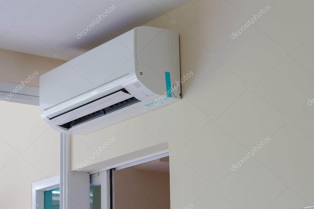 Klimaanlage Installieren Auf Wand Für Wohnung Oder Tagungsraum U2014 Stockfoto