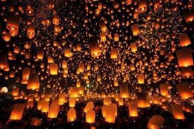 Tudongkasatarn is where floating lamp ceremony