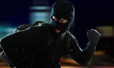 Thief escaping in night