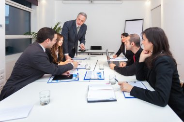 Businesspeople  have discussion