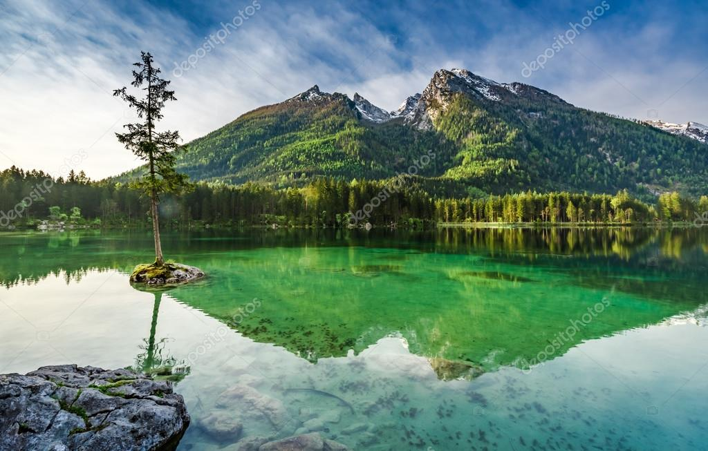 atemberaubenden sonnenaufgang am hintersee see in alpen. Black Bedroom Furniture Sets. Home Design Ideas
