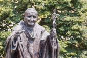 bronzová socha papež John Paul II