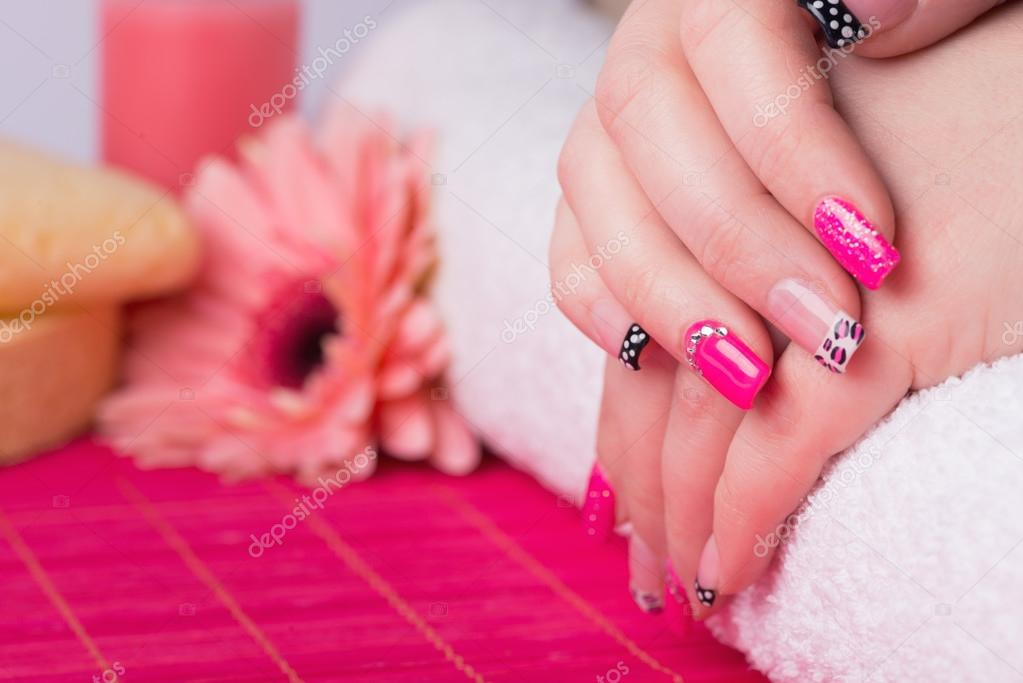Interesting Nail Art On Fingernails Stockfoto Tamara1983 125277798