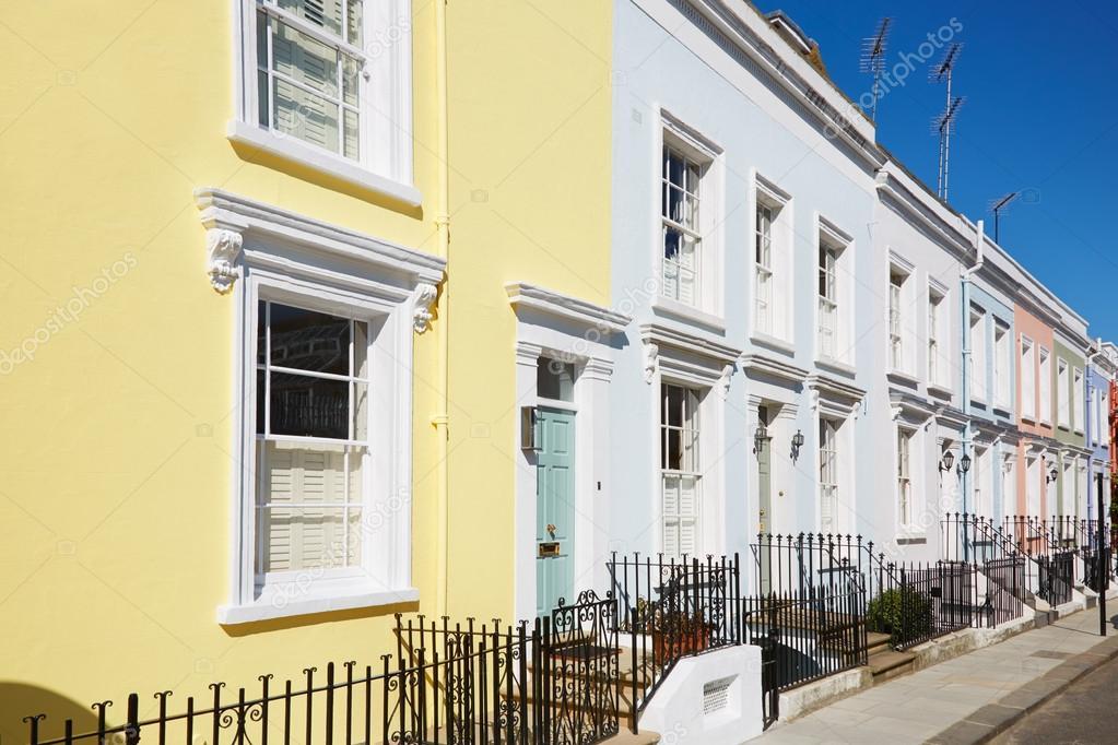 Fotografie di facciate di case colorate facciate di for Case inglesi foto