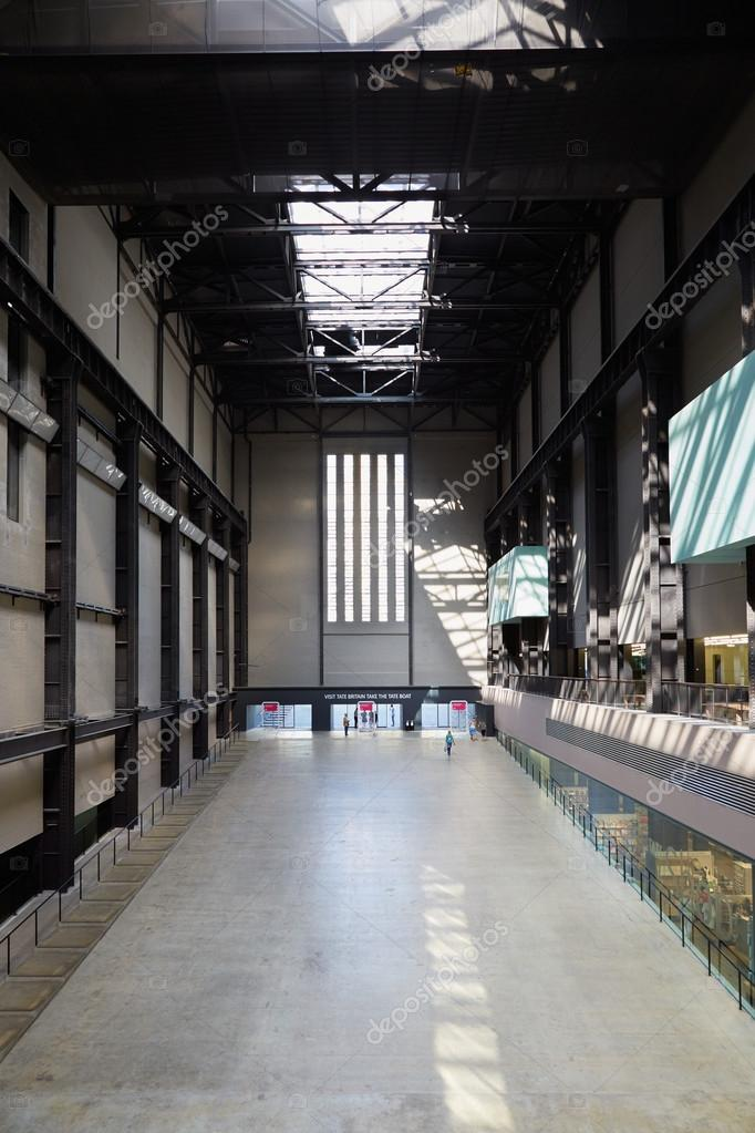 Sala turbine in vista all 39 interno di tate modern art for Tate gallery di londra