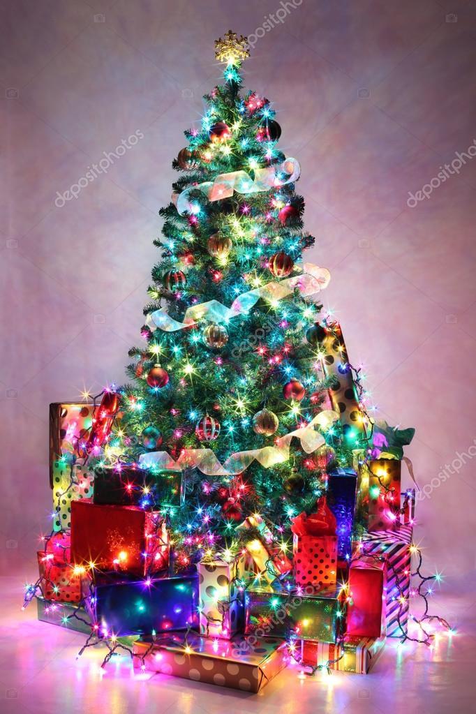Arbol de navidad luces de colores rbol de navidad - Arboles de navidad decorados 2013 ...