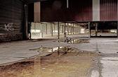 opuštěné průmyslové budovy