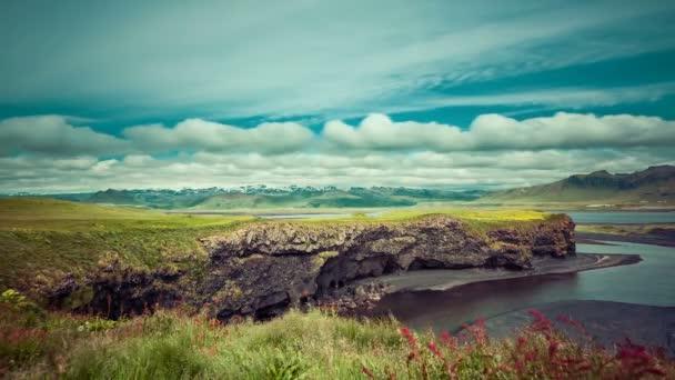 Pohybující mračna nad islandské horské