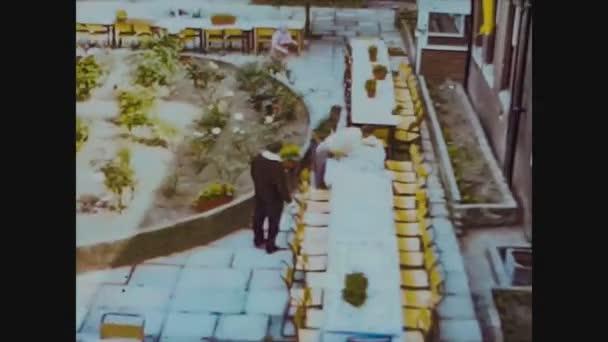 Velká Británie 1966, Příprava na školní oběd