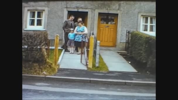 United Kingdom 1969, Family goes out of home